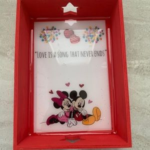 Mickey & Minnie Valentines Mini Resin Tray